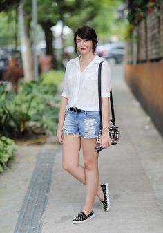 Look do dia: Camisa branca e short jeans | Just Lia