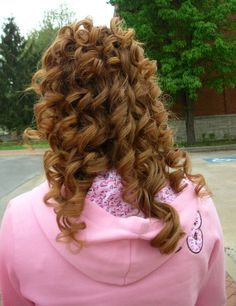 Curling Hair Tips: My Secret to Long-Lasting Curls http://www.dailyglow.com/curling-hair-tips-my-secret-to-long-lasting-curls.html#comments