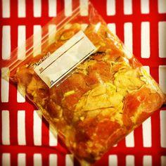 鶏ももマリネ ただいまマリネ中 明日はチキンディナー  #instafood #japanesefood  #food #foodie #foodpic #foodgasm #foodporn #foodphotography #foodstagram #yummy #life #chicken #christmas #おうちごはん #うちごはん #クリスマスイブ #クリスマス #夜ごはん #料理 #暮らし #生活 #日々 #おいしい #美味しい #チキン #マリネ #仕込み by @1009daniel - more recipes at www.tomcooks.com