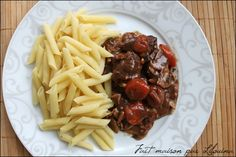 Boeuf bourguignon ou presque (sans vin)... - Fait maison par Lilouina Food And Drink, Beef, Dire, Hui, Ramadan, Homemade Wine, Drinks, Meat