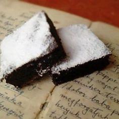 7 pihe-puha kevert sütemény egy óra alatt   Nosalty Hungarian Recipes, Cake, Desserts, Food, Twitter, Tailgate Desserts, Deserts, Kuchen, Essen