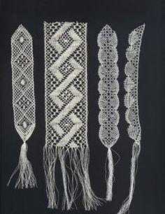 bobbin lace Irish Crochet, Crochet Lace, Bobbin Lace Patterns, Lacemaking, Linens And Lace, Antique Lace, Lace Knitting, Knitting Stitches, Tatting