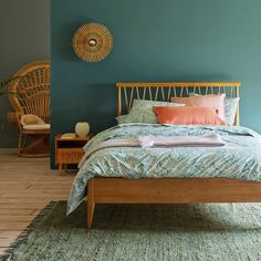 Quilda Sold Oak Bed with Headboard & Base LA REDOUTE INTERIEURS This Quilda bed will add a beautiful touch of vintage style to your bedroom! Bed Sets, Duvet Bedding, Bedding Sets, Wood Bedroom, Bedroom Decor, Solid Oak Beds, Wood Beds, Bed Duvet Covers, Headboards For Beds