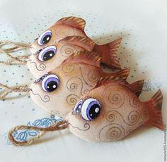 Игрушки животные, ручной работы. Ярмарка Мастеров - ручная работа. Купить Рыбка золотая - текстильный сувенир. Handmade. Бежевый, синтепон