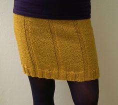 Skirt pattern by DROPS design Ravelry: Project Gallery for Skirt pattern by DROPS design Record of Knitting String rotating, weaving and stitch. Black Crochet Dress, Crochet Skirts, Knit Skirt, Knit Crochet, Loom Knitting, Free Knitting, Knitting Patterns, Skirt Pattern Free, Skirt Patterns