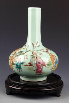 FA GREEN COLOR GLAZED FAMILLE-ROSE PORCELAIN BOTTLE. Qing Dynasty, H:8.5 in