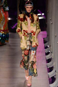 Gucci коллекция | Коллекции осень-зима 2017/2018 | Милан | VOGUE