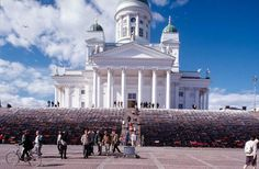 Way 2000 (3000 Men's jackets), Helsinki Cathedral - Installation by Kaarina Kaikkonen, Sculptor