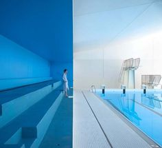 Renovación de piscina por Dominique Coulon et Associés. Fotografía © Clément Guillaume.