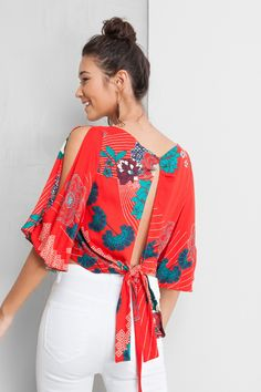49 Colorful Blouses Every Girl Should Try - Luxe Fashion New Trends Fashion Mode, Modest Fashion, Look Fashion, Fashion Outfits, Womens Fashion, Fashion Trends, Casual Outfits, Cute Outfits, Mein Style