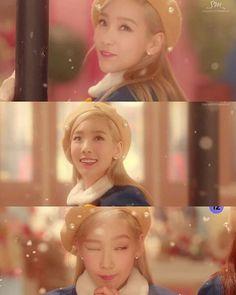 [CAPS] Girls' Generation-TTS 소녀시대-태티서_Dear Santa_Music Video Teaser 2 Link : http://youtu.be/4V-RQ1LXaSM  #DearSanta - Taeyeon  #gg #snsd #girlsgeneration #sone #kpop #소녀시대  #少女時代 #tts #taetiseo #taeyeon #kimtaeyeon #taeng #kidleader #comingsoon #Taetiseocomeback #winter #ttsiscoming #teaser #musicvideo