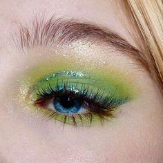 christmas makeup – Hair and beauty tips, tricks and tutorials Makeup Goals, Makeup Inspo, Makeup Art, Makeup Inspiration, Makeup Tips, Beauty Makeup, Hair Makeup, Makeup Hacks, Makeup For Green Eyes