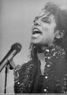 <3 Michael Jackson <3 This makes me very happy, he's just so, *sparkly*