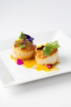 Noix de Saint Jacques poêlées à la sauce orange/gingembre  //  Seared Scallops with Orange Ginger Sauce