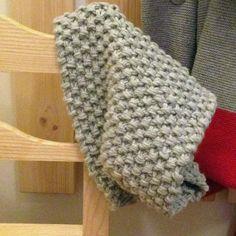 Rice snood pattern by Petite Sittelle Snood Pattern, Poncho Knitting Patterns, Crochet Beanie Pattern, Knitted Poncho, Knitted Shawls, Baby Knitting, Crochet Patterns, Beginner Knitting, Scarf Patterns