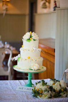 An Original Edwardian Wedding Dress for a Mod Inspired Brighton Wedding… 1960s Wedding, Daisy Wedding, Mod Wedding, Wedding Blog, Dream Wedding, Vintage Weddings, Wedding Ideas, Daisy Cakes, Cupcakes