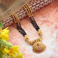 Explore the trendy collection of Gold Mangalsutra design at Waman Hari Pethe Sons. Gold Mangalsutra Designs, Gold Jewellery Design, Diamond Jewellery, Jewellery Rings, Mangalsutra Simple, Diamond Mangalsutra, Beaded Jewelry, Beaded Necklace, Gold Jewelry