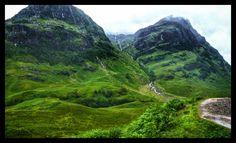 From my day trip around Scotland last week. Glencoe, Scotland [OC] (4905x2988) LG G4