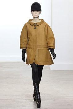 Balenciaga Fall 2006 Ready-to-Wear Collection Photos - Vogue