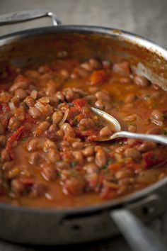 Homemade Baked Beans Home-Made Baked Beans : The Healthy Chef – Teresa Cutter Healthy Baked Beans, Homemade Baked Beans, Baked Bean Recipes, Healthy Chef, Home Made Baked Beans Recipe, Sugar Free Baked Beans Recipe, Homemade Recipe, Breakfast Beans, Breakfast Recipes
