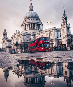The 10 Most popular tourist cities on the globe - where will you go? London Eye, London City, London Photography, City Photography, Travel Around The World, Around The Worlds, Big Ben, London Landmarks, Beautiful London