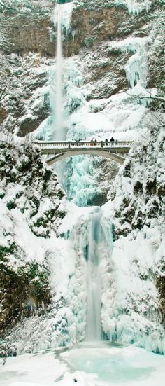 Multnomah Falls- Ice and Snow - Portland, Oregon // Picture By Marshall Alsup