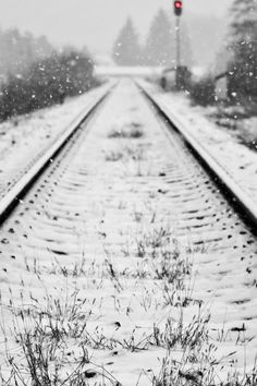 I live train tracks. They always make me feel adventurous. Black White Red, Black White Photos, Live Train, Adventures Abroad, Winter Beauty, Train Tracks, Winter White, Oh The Places You'll Go, How To Look Pretty