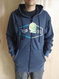 Jaket Premium Ripcurel Menyerupai Original Lambang Bordir Bahan halus dan berbulu seperti ori Resleting sesuai merk Tersedia Ukuran L dan XL Minat?   Telp/WA: 085842323238 || BBM: 5B0B3B3D