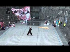 疾風乱舞 Team Shippu-rambu  旗士 Flag person   柳川氏 Mr. Yanagawa  He is a craftsman waving a huge flag.
