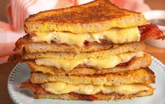 Breakfast just got a cheesy makeover. Spruce up your morning with French Toast Grilled Cheese! These melt-in-your-mouth sandwiches will surely turn you into a morning person. Making Grilled Cheese, Grilled Cheese Recipes, Sandwich Recipes, Tefal Snack Collection, Best French Toast, Brunch, Tofu, Good Food, Yummy Food