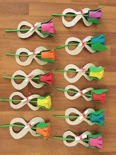 Toddler Valentine Crafts, Toddler Crafts, Preschool Crafts, Paper Flowers Diy, Felt Flowers, Flower Crafts, Spring Crafts For Kids, Diy Crafts For Kids, Flower Party Themes