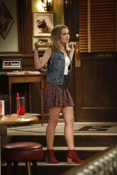 """A """"Will They/Wont They"""" Walks Into a Bar - West Coast Photos from Undateable on NBC.com"""