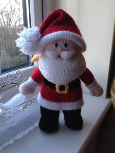 Knitted Santa Claus. Another Jean Greenhowe pattern, made for my lovely sister for Christmas 2013 #christmasknittingpatterns