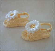 PDF Crochet PATTERN: Back Strap Summer Baby Sandals for BOY or G I R L. $4.98, via Etsy.