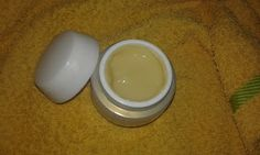 Homemade under eye cream for wrinkles Homemade Moisturizer, Moisturizer For Dry Skin, Skin Cream, Eye Cream, Layers Of The Epidermis, Too Much Makeup, Homemade Cosmetics, Aloe Vera Gel, Skin Problems
