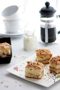 Chai Coffee Cake.  Overwhelming smell of goodness.  via Tartelette.
