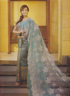 各国の民族衣装で最高にかわいいのは...