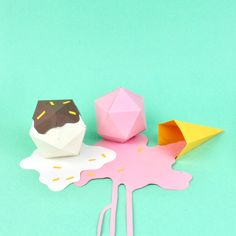 Well crafted paper food by Samuel Shumway. Graduated from Parsons School of Design with a BFA in Illustration, Samuel Shumway is a stop-motion animator, Food Sculpture, Sculptures, Paper Art, Paper Crafts, Parsons School Of Design, Starco, Food Crafts, Stop Motion, Art Plastique