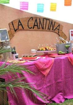 The bar sign can be La cantina