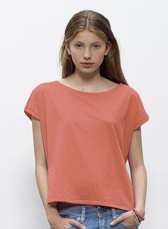 Stella Flies Scoop Neck T-shirt for Teens - Интернет-магазин Delonatelo Scoop Neck, V Neck, Shirts For Teens, Vegan Fashion, Neck T Shirt, Collection, Tops, Women, Woman
