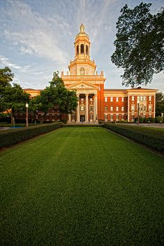 Pat Neff Hall at Baylor University in Waco, Texas face it, our campus is beyond great! College Years, College Campus, College Life, Baylor University, Destinations, Florida, Thing 1, Places To Go, Dreams