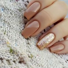 Inexpressible glamour female gives nails a manicure with a mirror image. In this design, there are two main trends: the foil manicure and nail polish, which is Nail Art Designs 2016, Cute Nail Designs, Toe Nail Designs For Fall, Awesome Designs, Nail Designs With Gold, Brown Nail Designs, Fall Nail Ideas Gel, Fall Designs, Gorgeous Nails