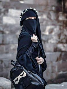 Hijab Niqab, Muslim Hijab, Stylish Hijab, Hijab Chic, Beautiful Muslim Women, Beautiful Hijab, Niqab Fashion, Muslim Fashion, Hijabi Girl