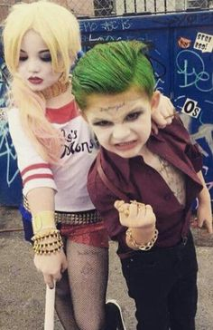 Adorable kids Joker and Harley Quinn cosplay Halloween Cosplay, Halloween Kids, Cosplay Costumes, Halloween Costumes, Kids Joker Costume, Harley Quinn Et Le Joker, Harley Quinn Cosplay, Joker Cosplay, Amazing Cosplay