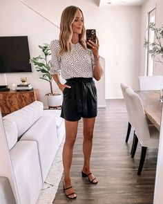Belted Shorts Outfits, Black Shorts Outfit Summer, Spring Shorts Outfits, Dress Shorts Outfit, Cool Summer Outfits, Summer Outfits Women, Short Outfits, Short Women Fashion, Womens Fashion Casual Summer