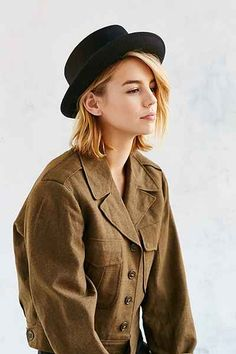 Penny Porkpie Hat (really like this exact hat to go with that big scarf ) Pork Pie Hut, Urban Outfitters, Natural Braided Hairstyles, Mein Style, Outfits With Hats, What To Wear, Vintage Fashion, Vintage Style, Vintage Inspired