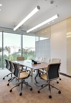 Natixis Bank, Moscow +++ Meeting room furnished by Bene with T-Meeting Table & Filo conference chairs