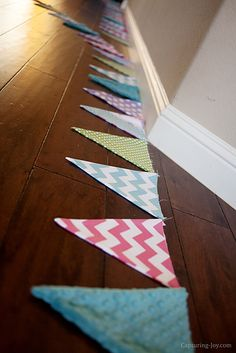 How to make a Fabric Pennant Banner