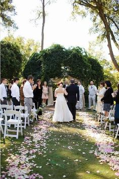 1016 Best Gorgeous Wedding Aisles Images Rose Petals