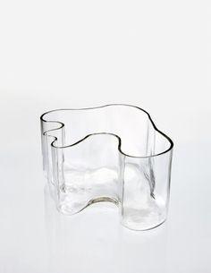 "PHILLIPS : NY050414, Alvar Aalto, Vase, model no. 9749, from the ""Eskimoerindens skinnbuxa"" sketch series"